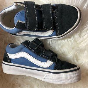Kid 11.5 Vans Old Skool V shoe Velcro